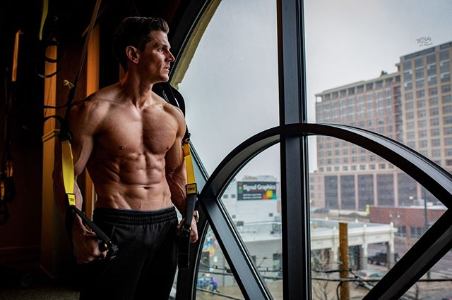 Focus on your next move. ⠀ The #KetoKing himself @Jason.wittrock ⠀ .⠀ .⠀ .⠀ .⠀ .⠀ .⠀ #ExerciseTime #Trainiac #FitnessJunkie #FitFam #InstaFitness #Fitness #Fitspo #FitLifestyle #FitnessForLife #FitGoals #FitInspiration #WorkoutTime #NoShortcuts #FitFun #HandleIt #ExerciseTime #ExerciseForLife #FitnessPartners #FitnessGoal  #FitnessFirst #FitnessPhysique #FitnessTips #FitBody #InstaFitness #FitnessAddict #IGFit #Exercise #StayFit #Sweat ⠀ @Americanmetabolix @KetoQuest @FitnessModels