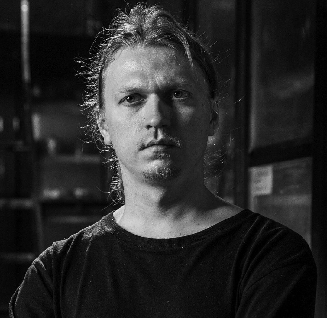 PHOTO CREDIT: ARTEM RYZHYKOV