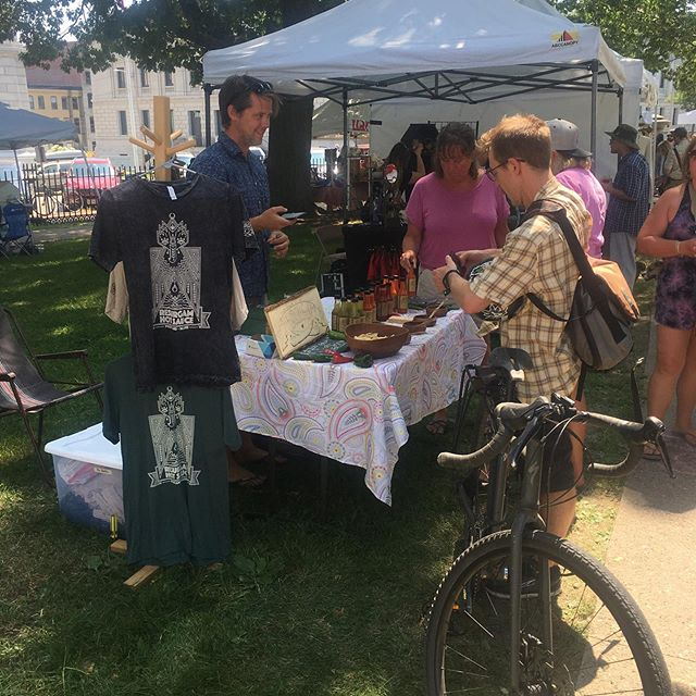 Come to @picnicportland Til 6 at Lincoln Park. Tonssssss of amazing local vendors!