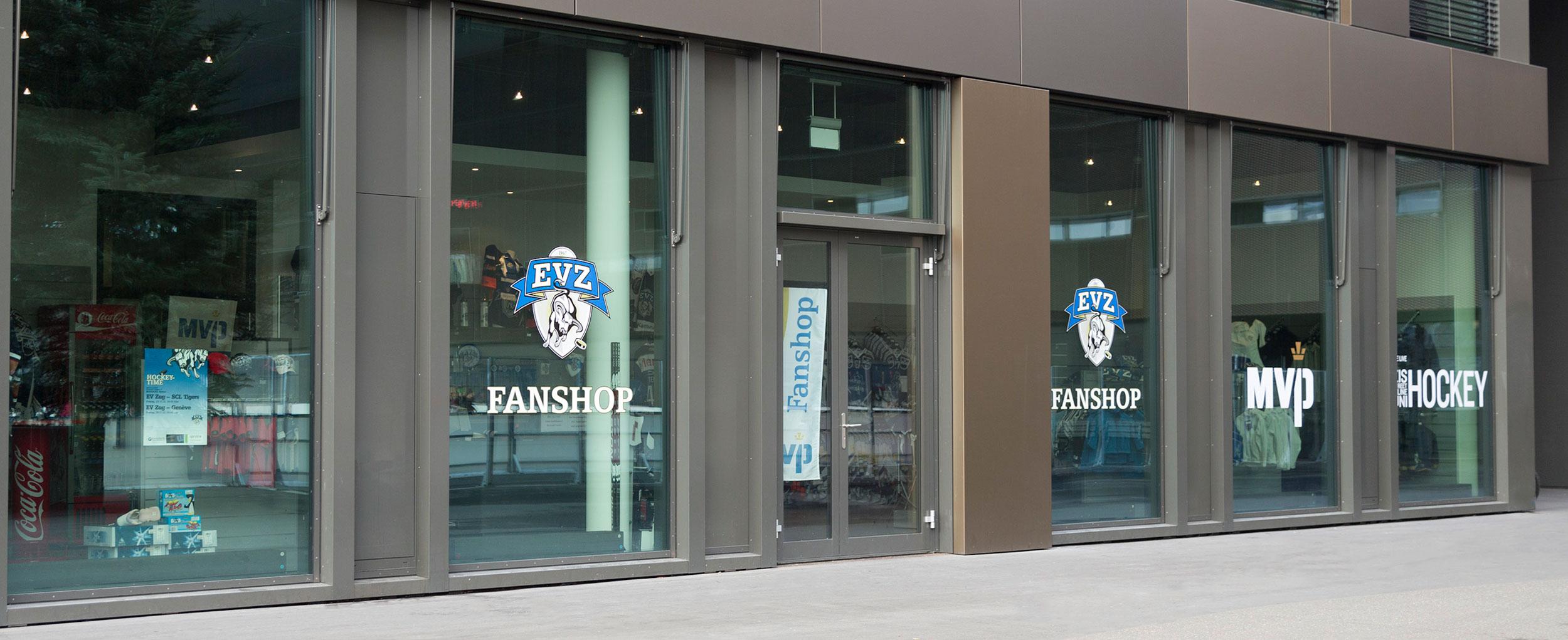 EVZ FANSHOPBossard Arena - General-Guisan-Strasse 86300 Zug+41 41 544 41 44Heimspiel:Ab 18:00 Uhr bis 1/2 Std. nach Spielende