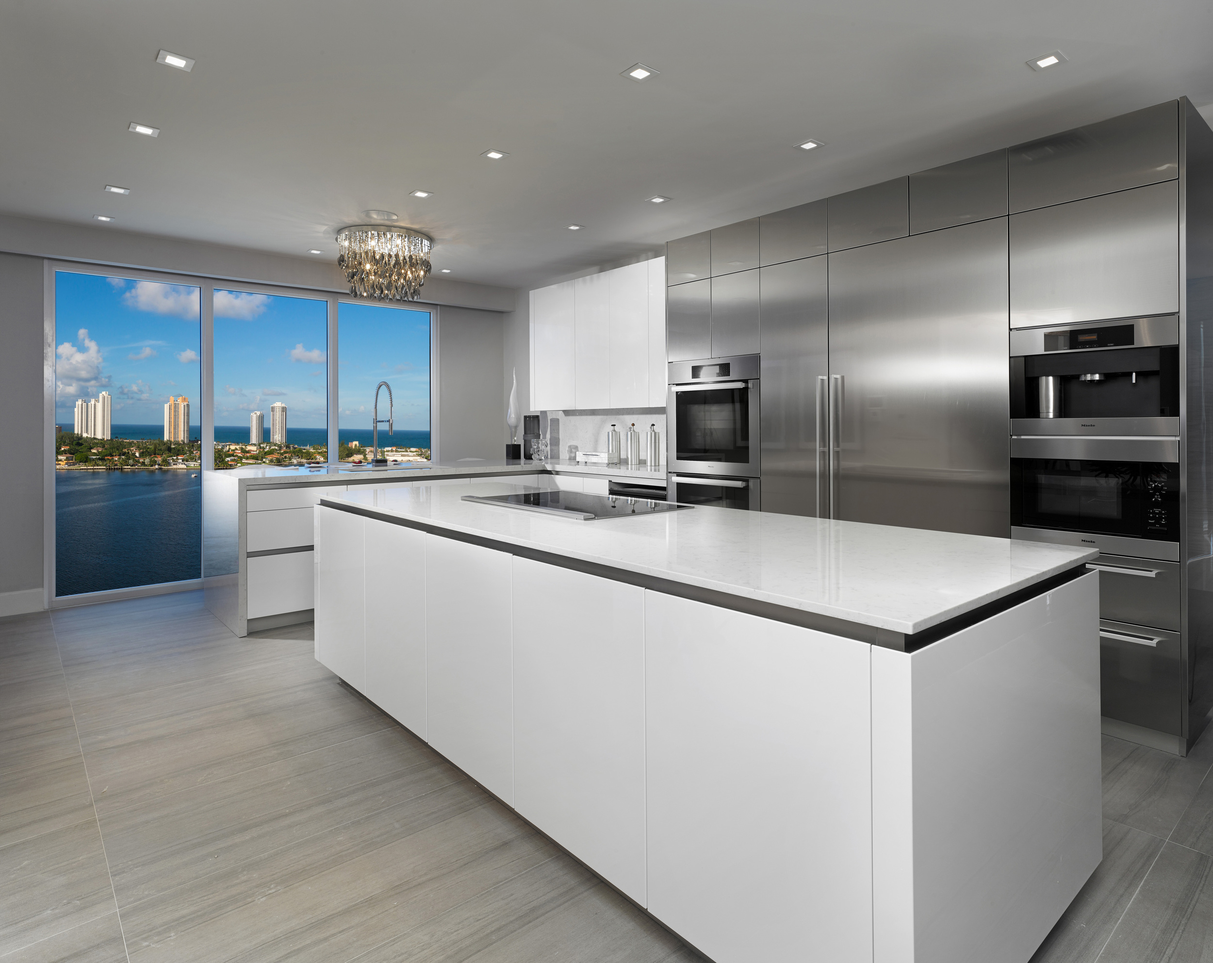 4-RESIDENCES-PRIVE_KITCHEN_A.jpg