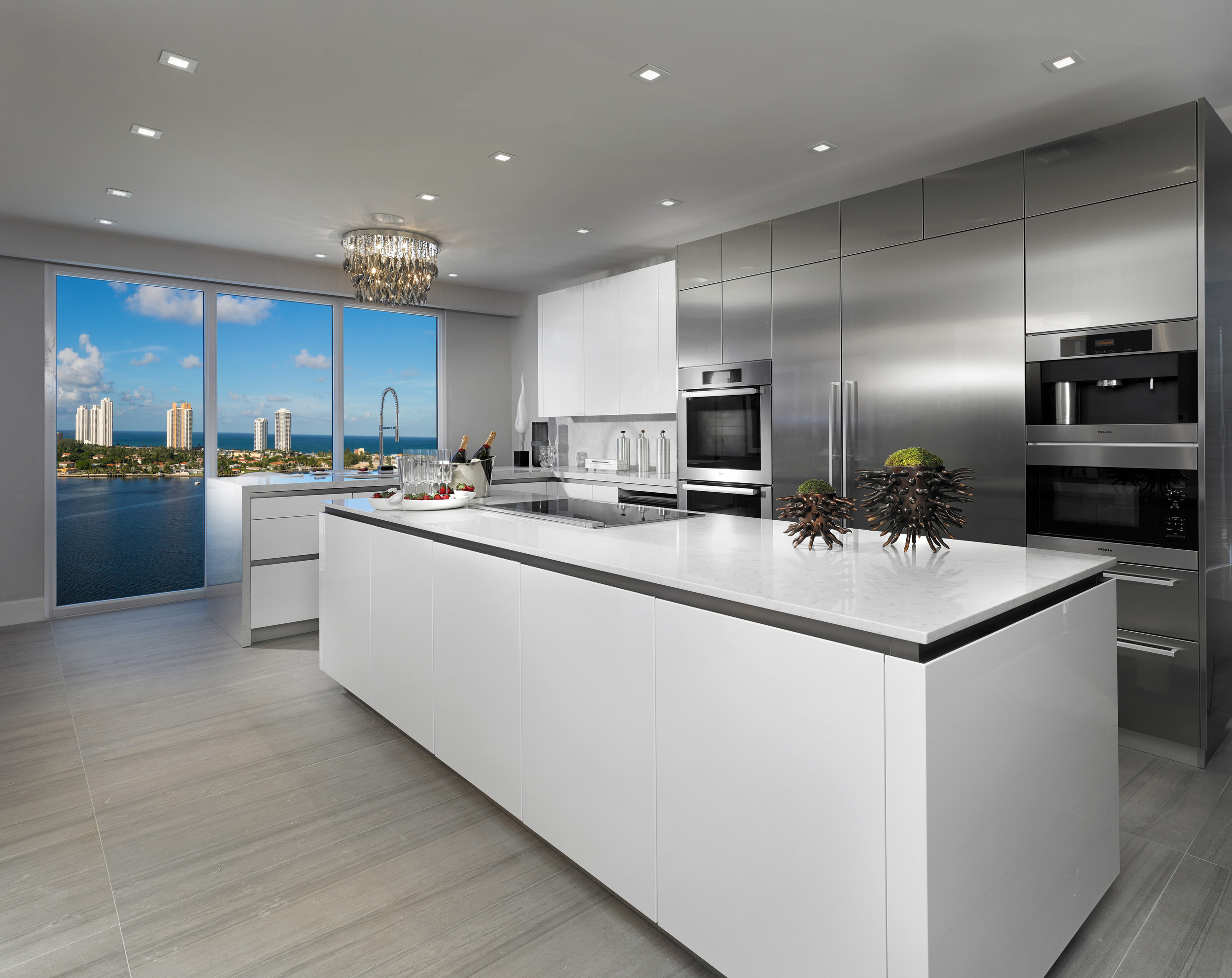 4-RESIDENCES-PRIVE_KITCHEN_B.jpg