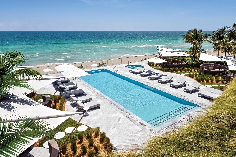 Lifestyle-Pool.jpg
