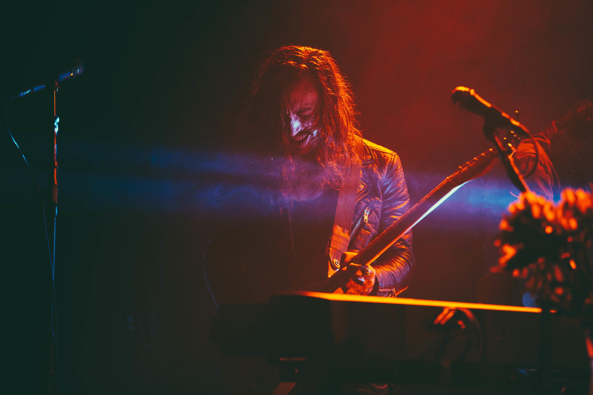 noah-gundersen-concert-el-rey-theatre-los-angeles-kirby-gladstein-2017-9