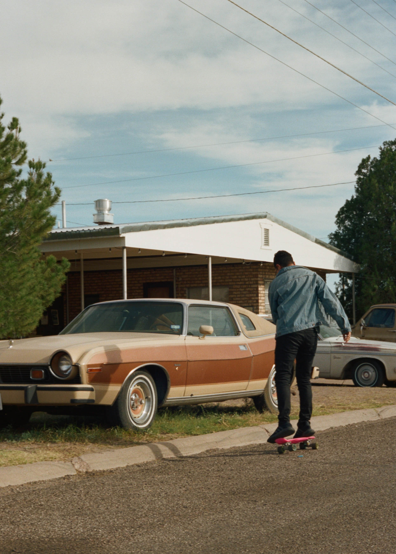 road-trip-marfa-texas-anderson-skateboard-portra-160-1