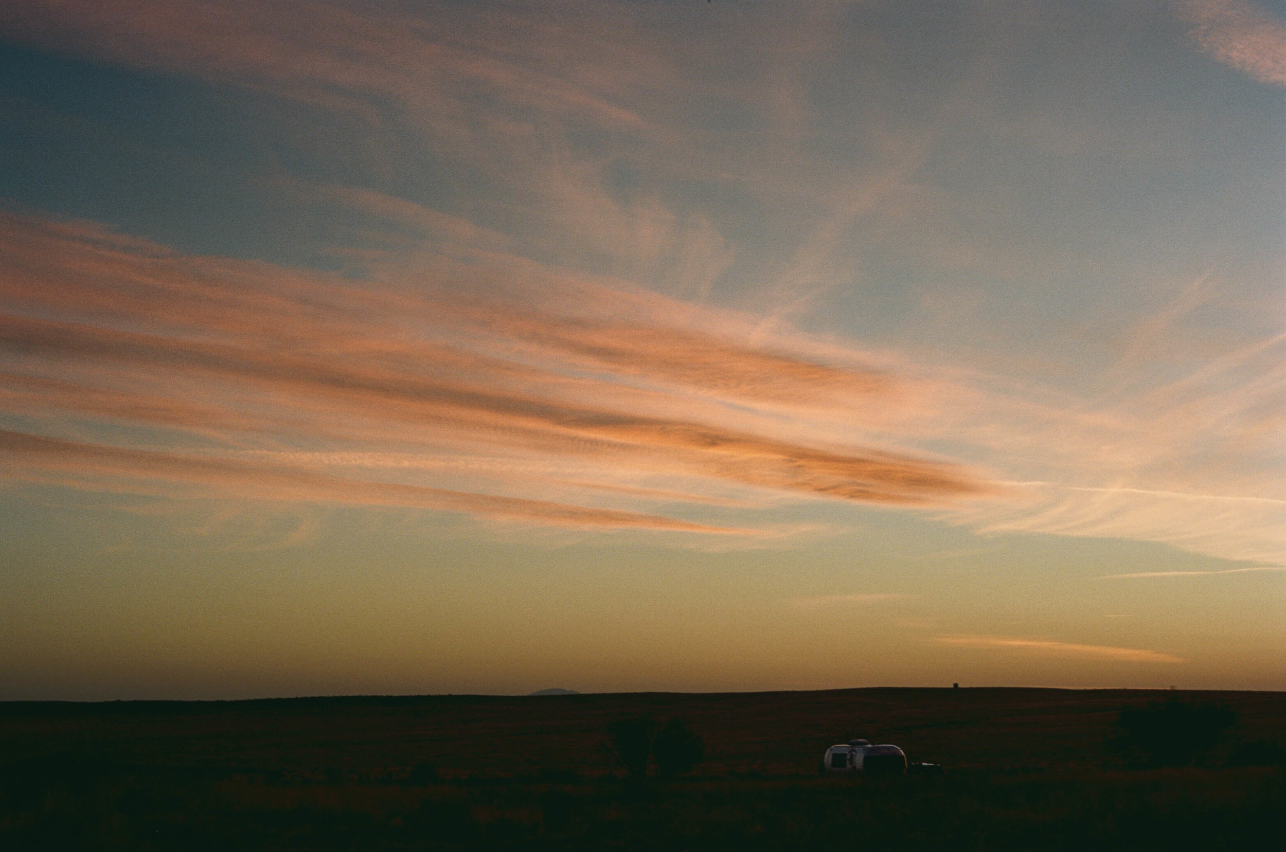road-trip-marfa-texas-sunset-airstream-airbnb-portra-160-1