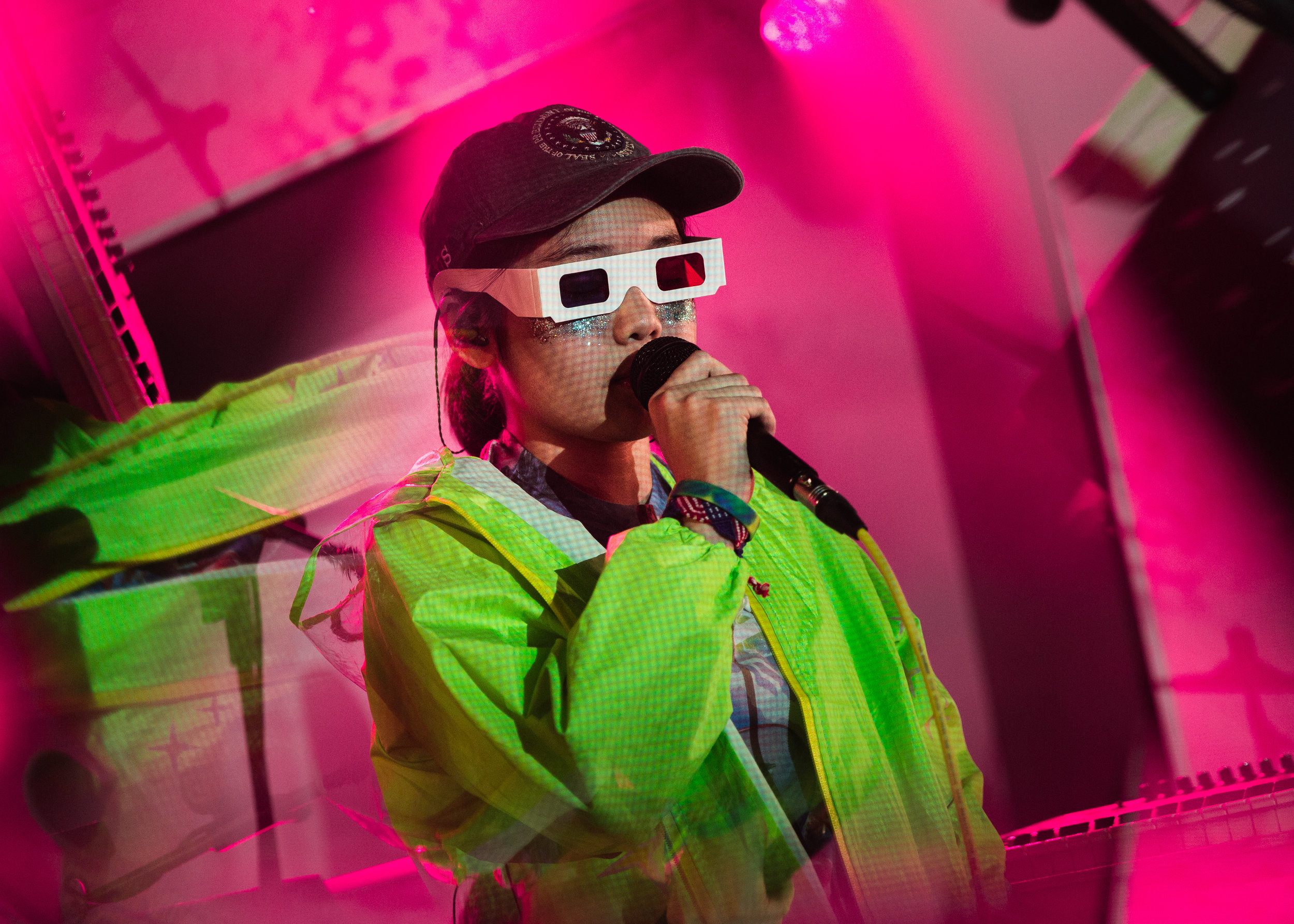 kirby-gladstein-photography-superorganism-concert-moroccan-lounge-los-angeles-1