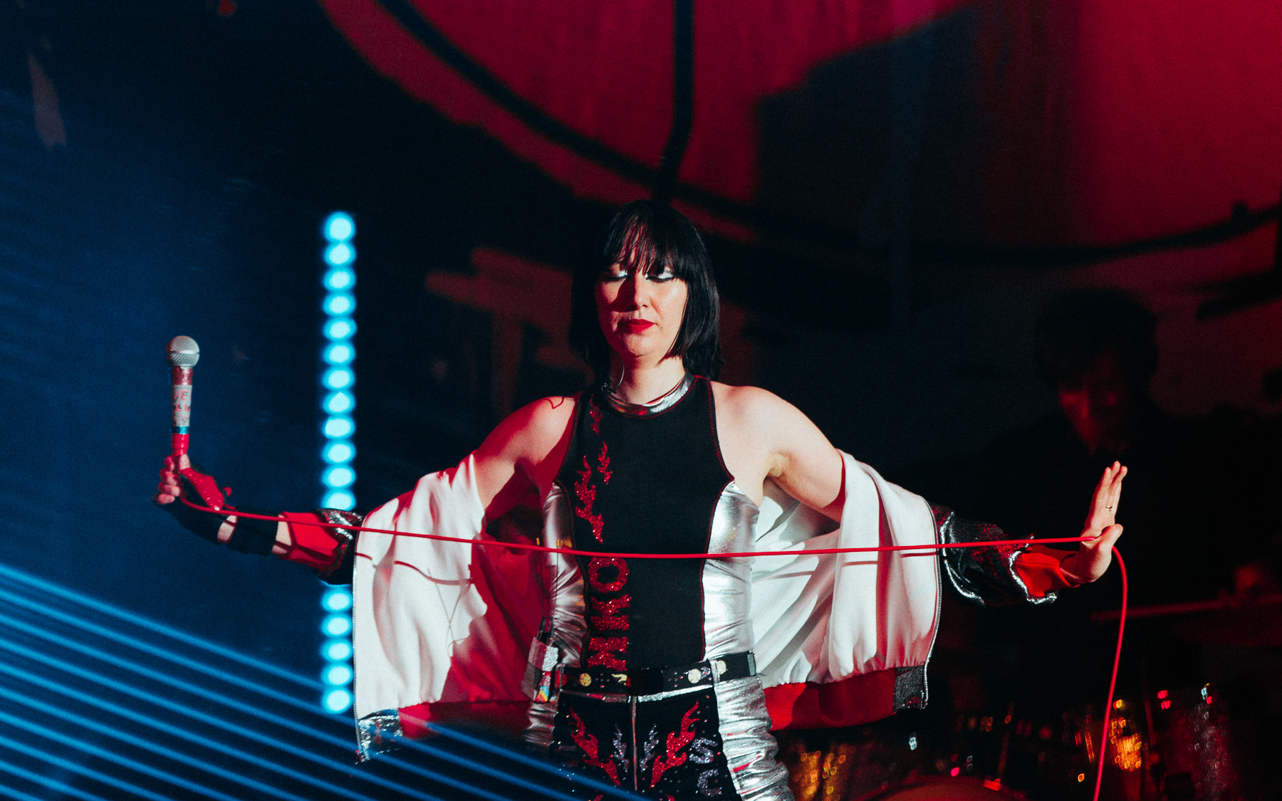 180506-kirby-gladstein-photograpy-Yeah-Yeah-Yeahs-Hollywood-Bowl-LA-7179.jpg
