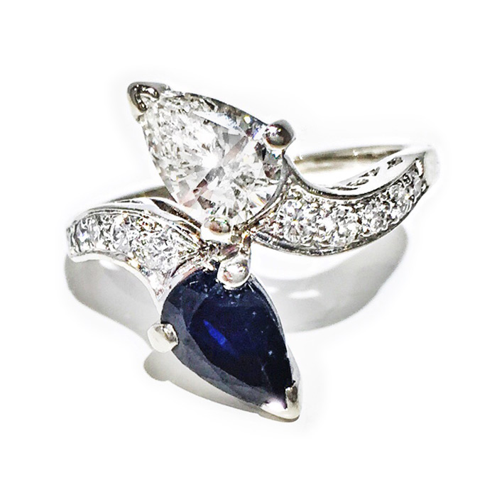 DIAMOND & SAPPHIRE TWIN PEAR RING