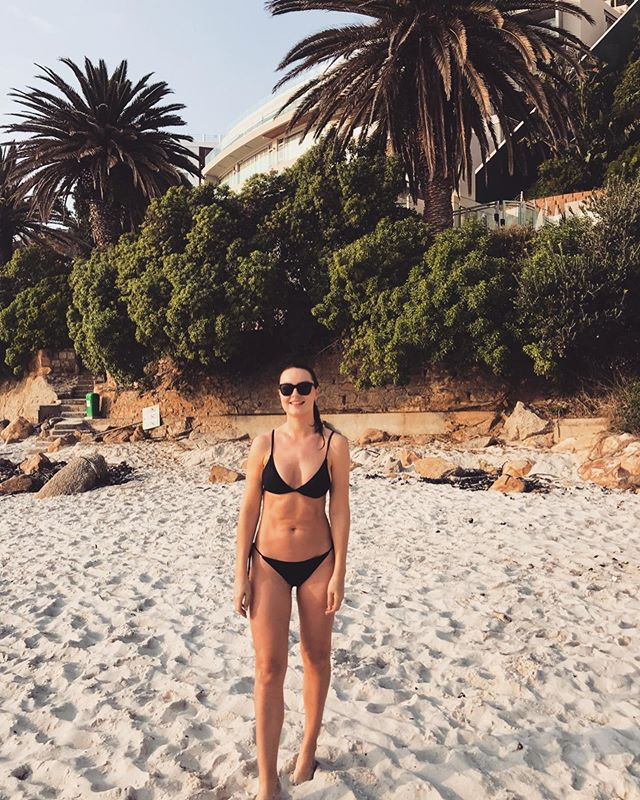 Yup, Cape Town rocks 😎🌞🌴 . . . . . #beach #capetown #summer #beachlife #bikini #cottononbody #summerlovin #palmtrees #love #sunday #cityofcapetown #cliftenbeach