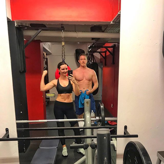 My Monday motivation is my partner in crime @akamurff 💥 he trains like a beast and works his ass off at everything he does in life 🤘🏼I wouldn't make the early morning classes if it wasn't for his positive, motivating energy first thing every day 👌🏼 Who is your #MondayMotivation ?😉 . . . 💥💥 Thanks for the amazing sessions @oghaglerjars 👊🏼👊🏼 . . #fitness #boxing #motivation #exercise #goals #love #partnerincrime #couplegoals #abs #healthyliving #health #weights #fiance #capetown #irishfitfam #cardio #motivate
