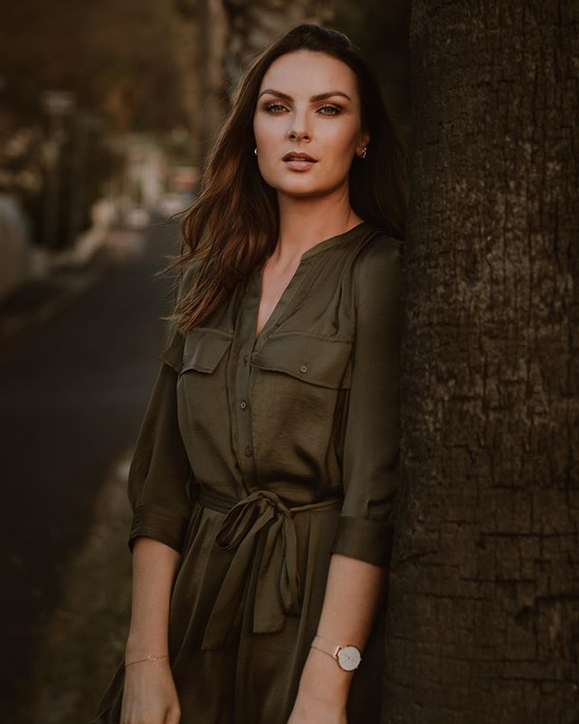 💜 New images with @dearheartphotos - wearing @countryroad 🔅 . . . . . . #portraitphotography #capetown #icegenetics #dearheartphotography #outdoors #portrait #model #lauraboyzone #moody #dusk #palmtrees #photography