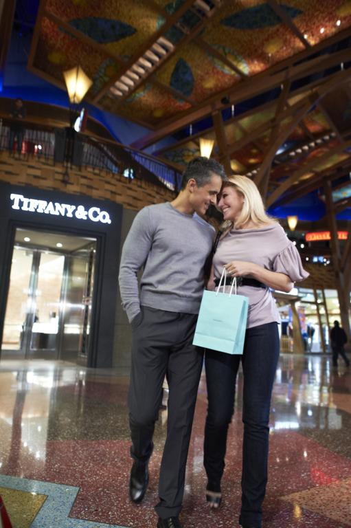 jeffmark_shopping_mh.jpg