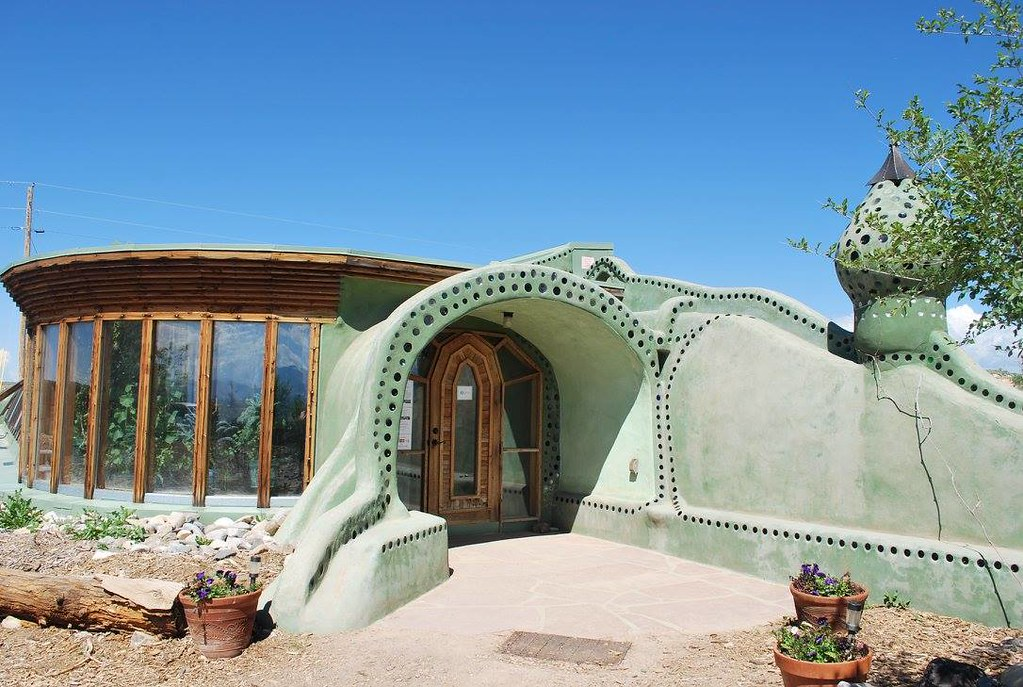 Example of an Earthship.