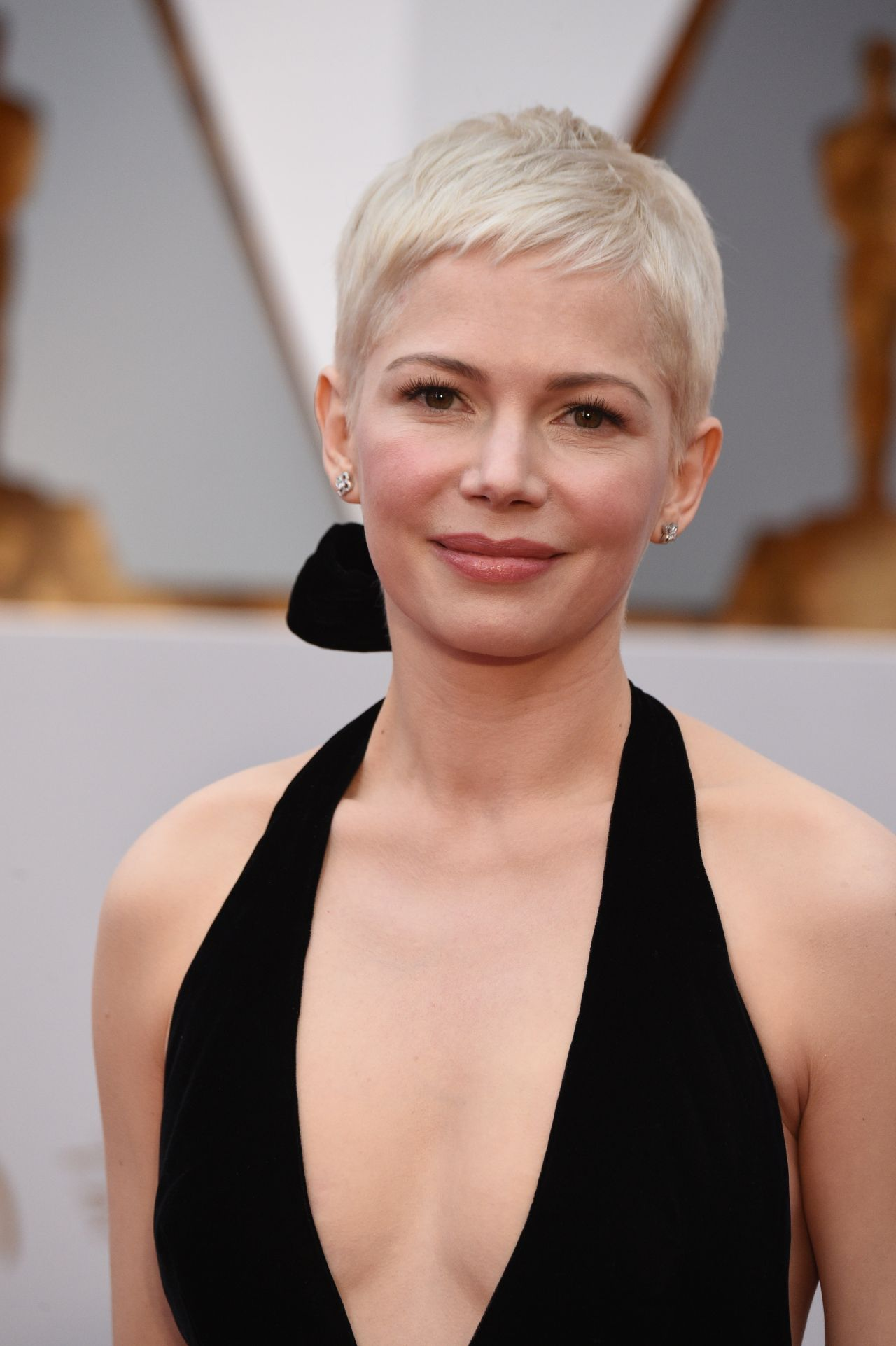 michelle-williams-oscars-2017-red-carpet-in-hollywood-2.jpg