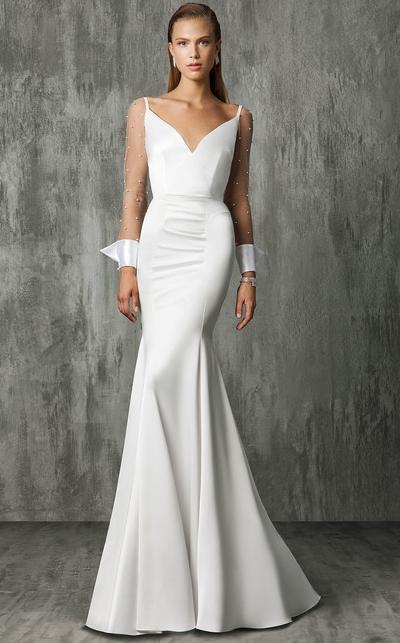 victoria-kyriakides-wedding-dress-fall2018-6455758-03_vert.jpg