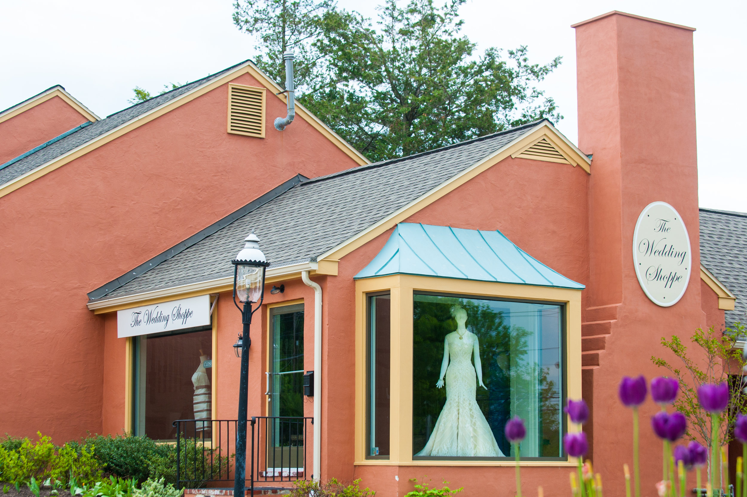 005-WeddingShoppeExterior.jpg