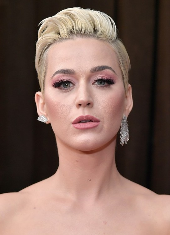 Katy Perry in Djula diamond firework earrings, which couldn't be more fitting for the star! -