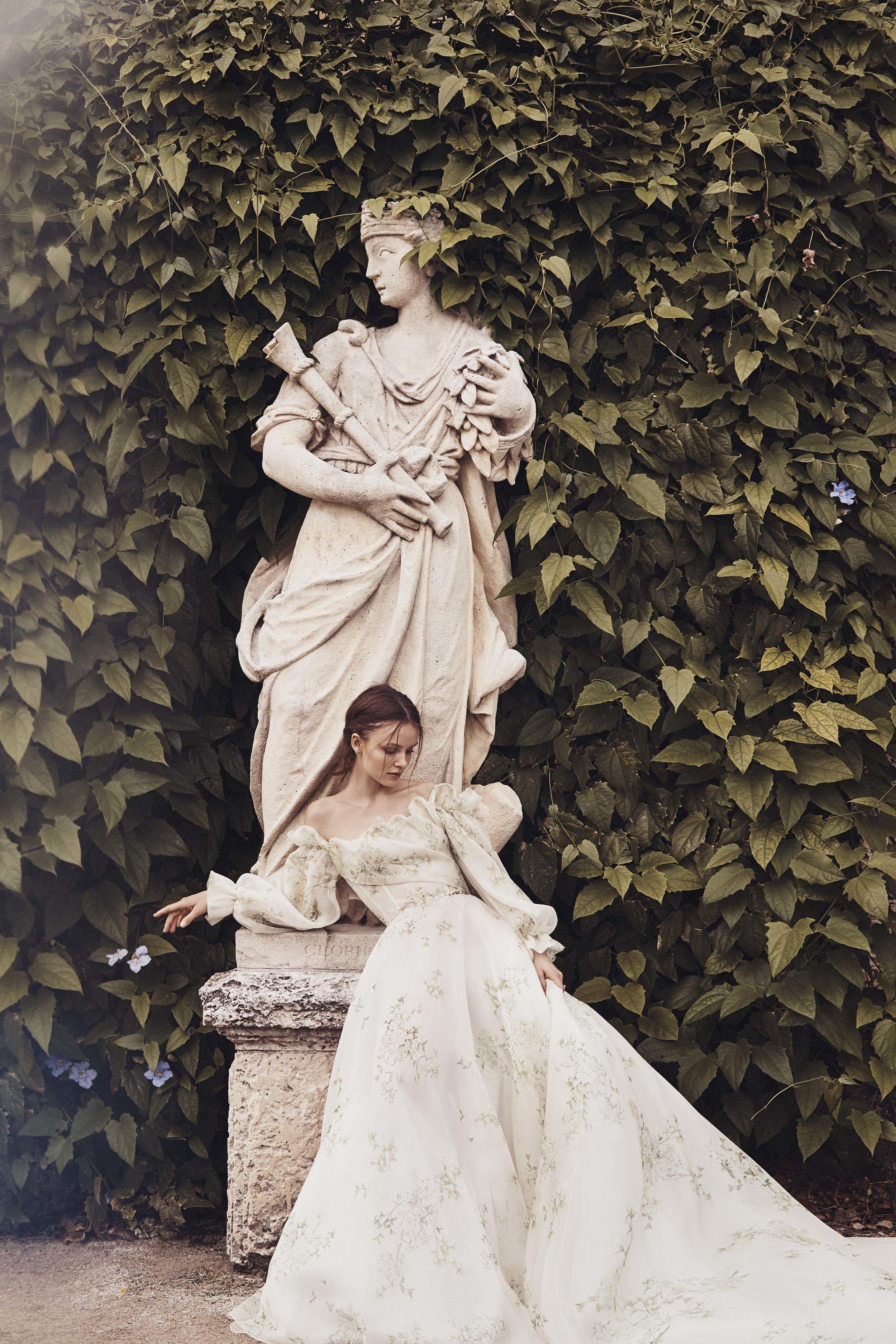 MoniqueLhuillier_Spring_2020_Bridal_Look_3_Bloom.jpg