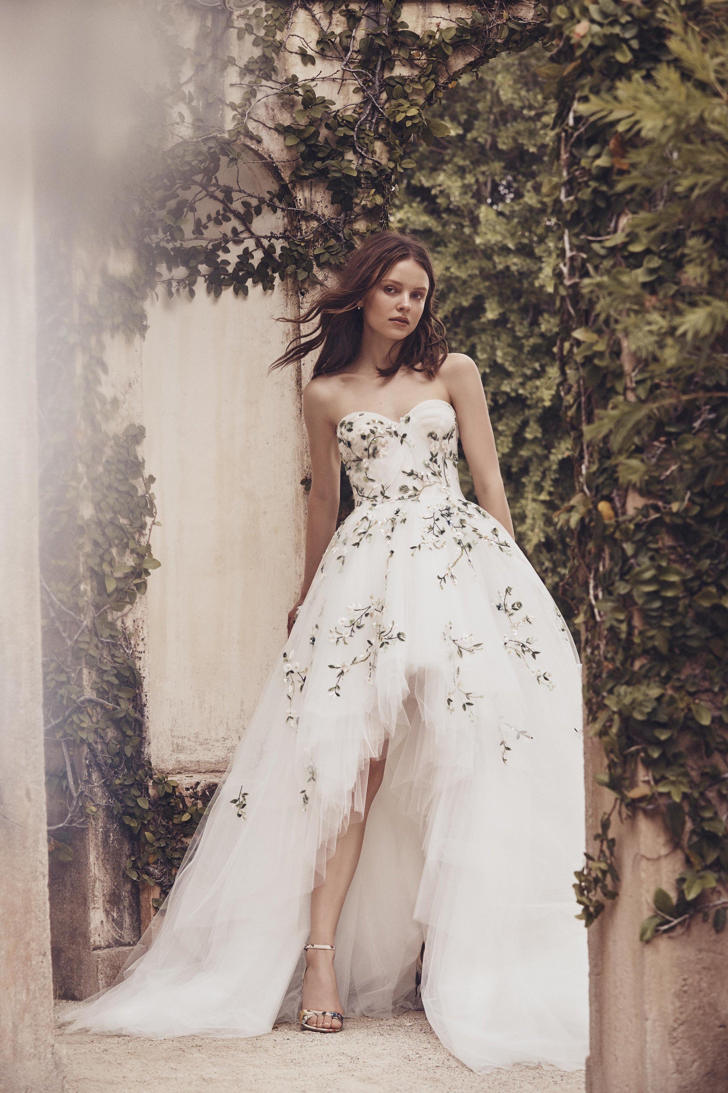 MoniqueLhuillier_Spring_2020_Bridal_Look_14_Tivoli.jpg