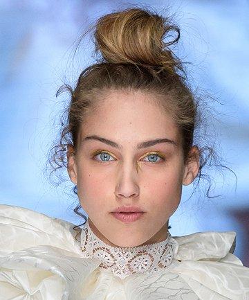 wedding-hair-wedding-makeup-ideas-bridal-fashion-week-2020-elisabetta-polignano.jpg