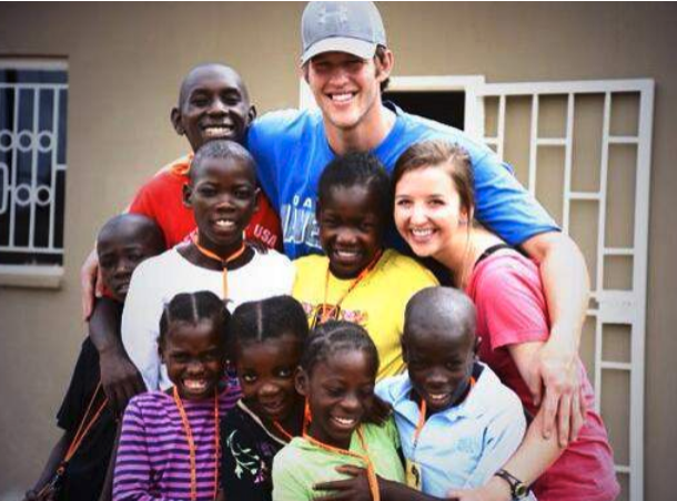 Ellen & Clayton with the Arise Home children