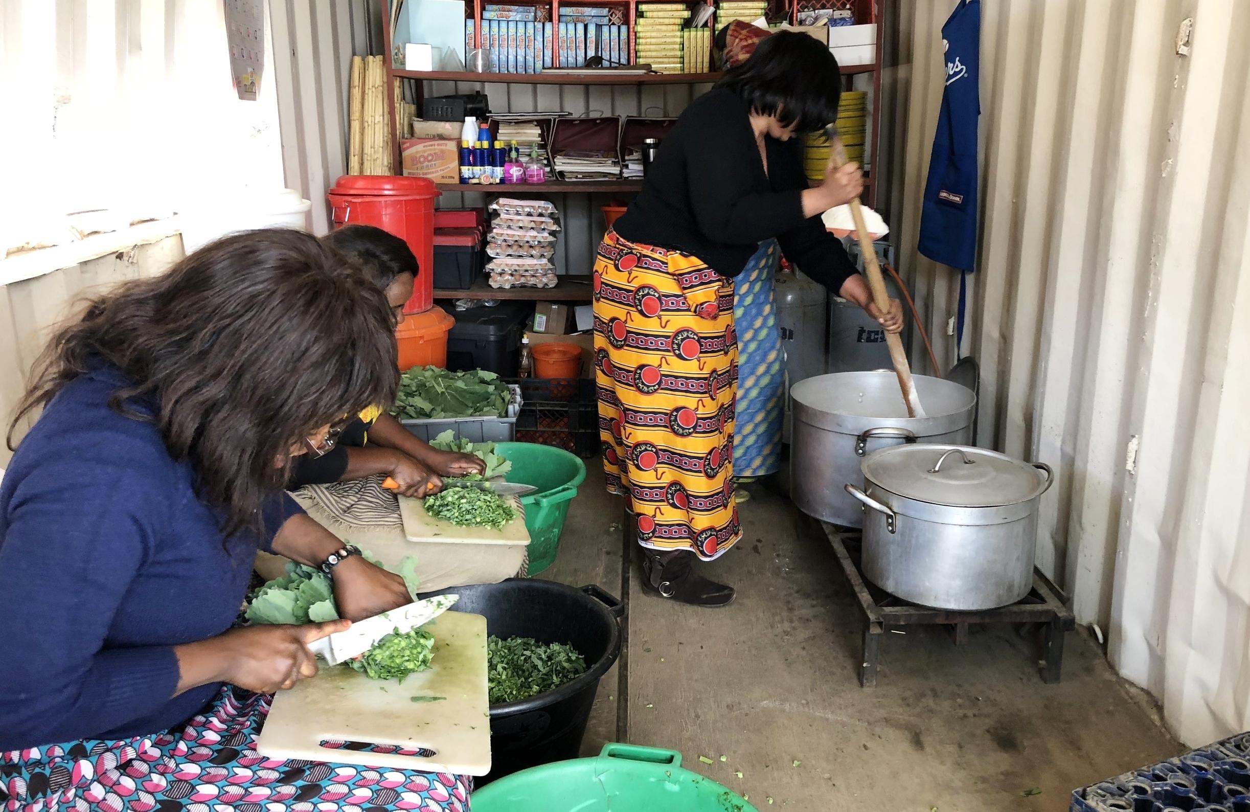 Dotroda Staffers preparing for lunch