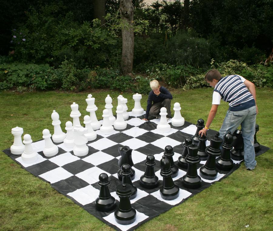 giant-chess-board-0.jpg