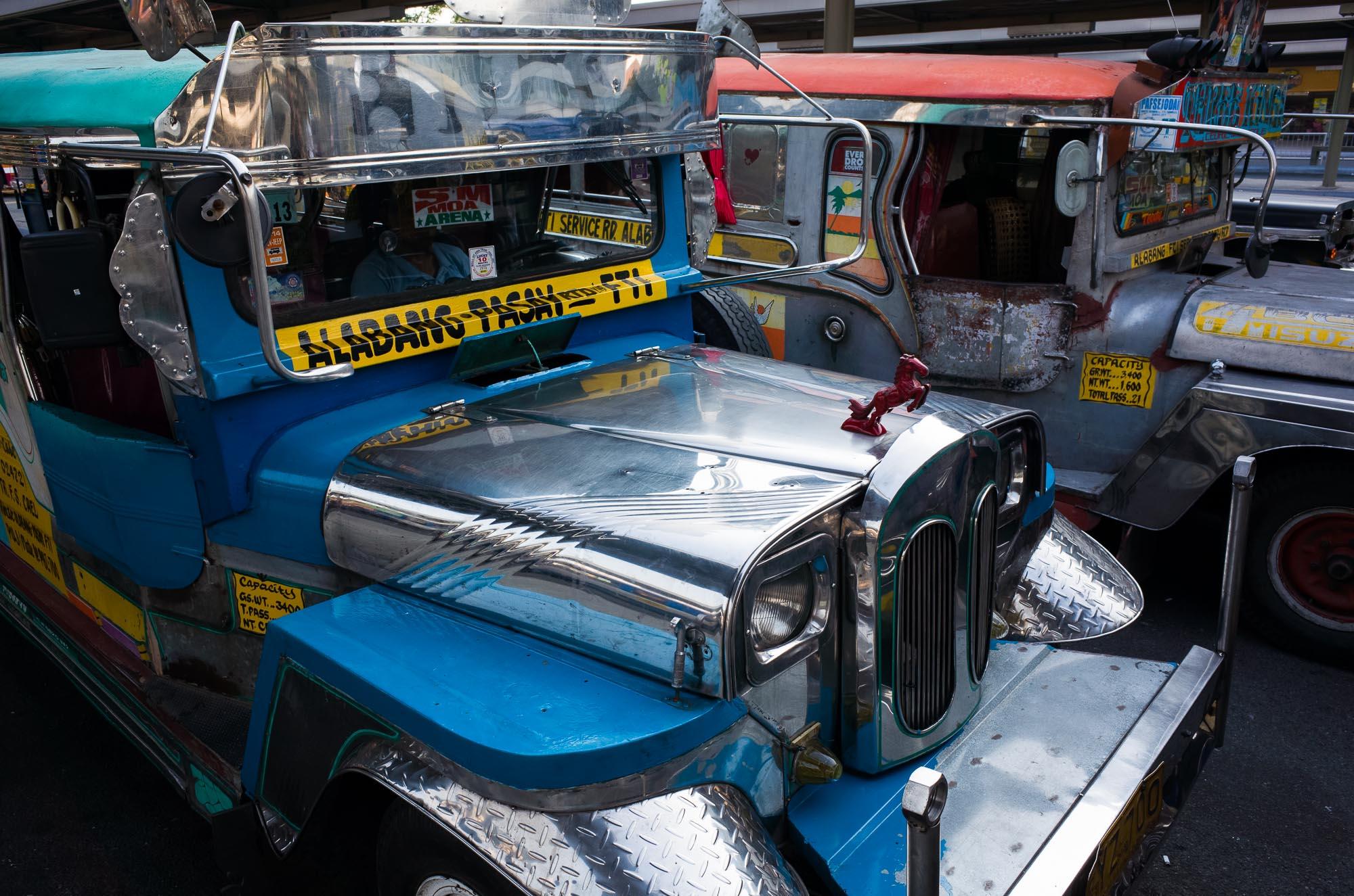 Manila_Bus_KL-13.jpg