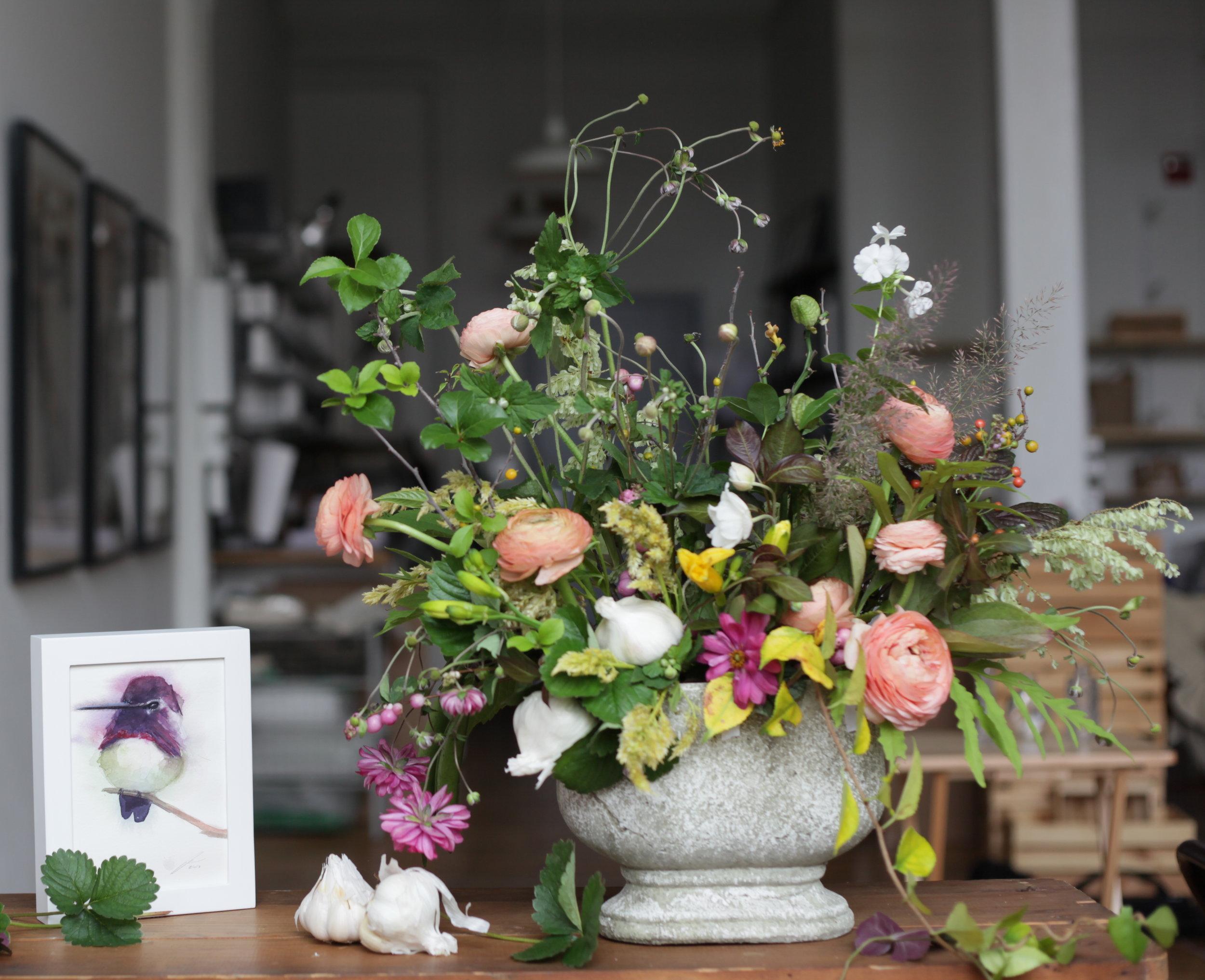 Florals/Juniper Blue Studio    Artwork/Holly Wach Art
