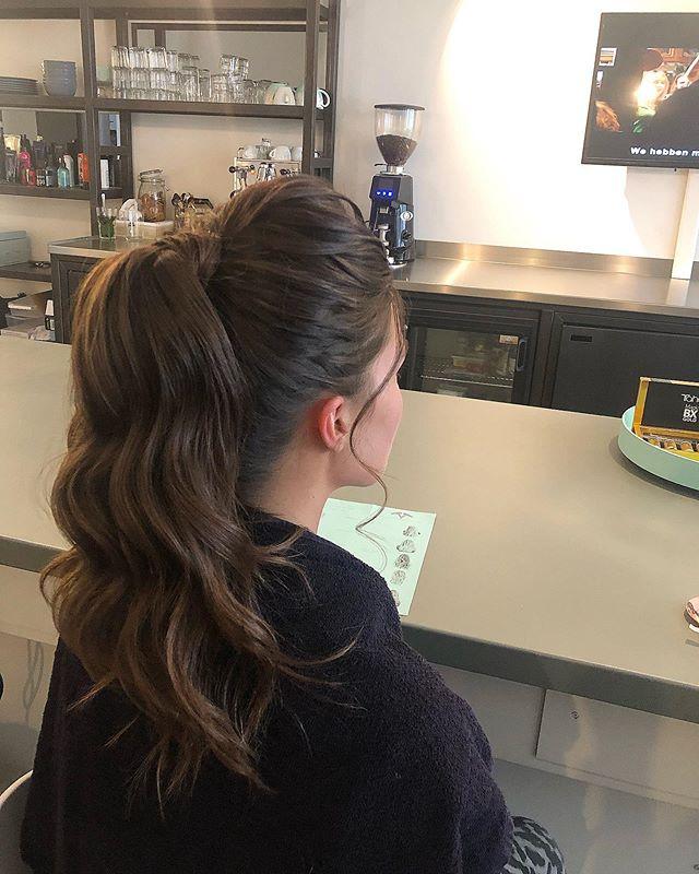 ✨Highball✨ #updo#highball#blowout#blowdry#hairstyle#hairdo#weddinghair#wedding#bride#bridehairstyle#hairstyles#hairart#ponytail#redken#kerastase#olaplex#loreal#blowdrybar#drybar#depijp#amsterdam#defohnbar ✨
