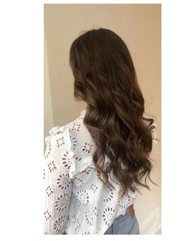 Shaken Not Stirred 🍸  #brownhair#blondehair#gorgeous#blowdry#blowout#straighthair#hairdo#hairart#hairstyle#hair#hairextensions#hairgoals#hairstyles#hairstylist#updo#bridehairstyle#hairstyling#hairfashion#drybar#blonde#brownhair#redken#shakennotstirred#kerastase#loreal#olaplex#blowout#depijp#amsterdam#defohnbar 🍸