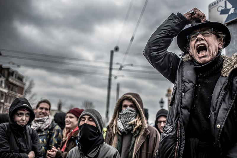Opponents of Pegida gather around the demonstration - Picture taken by Joris van Gennip