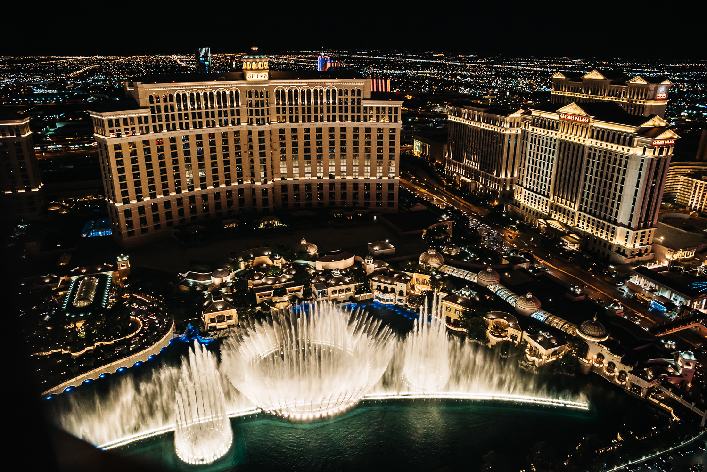 Eiffel Tower Vegas Fountains www.thetravelpockets.com