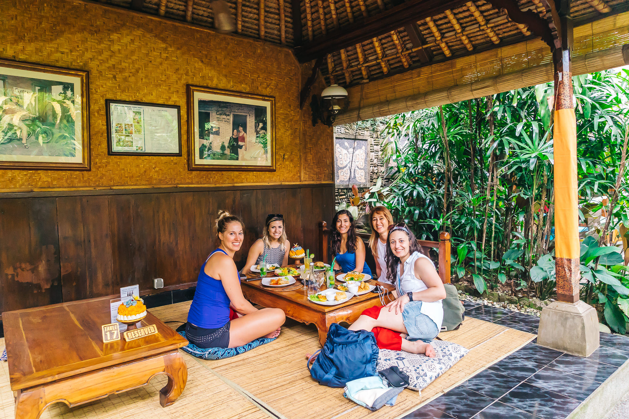 Great place to dine in Ubud is at   Cafe Wayan and Bakery