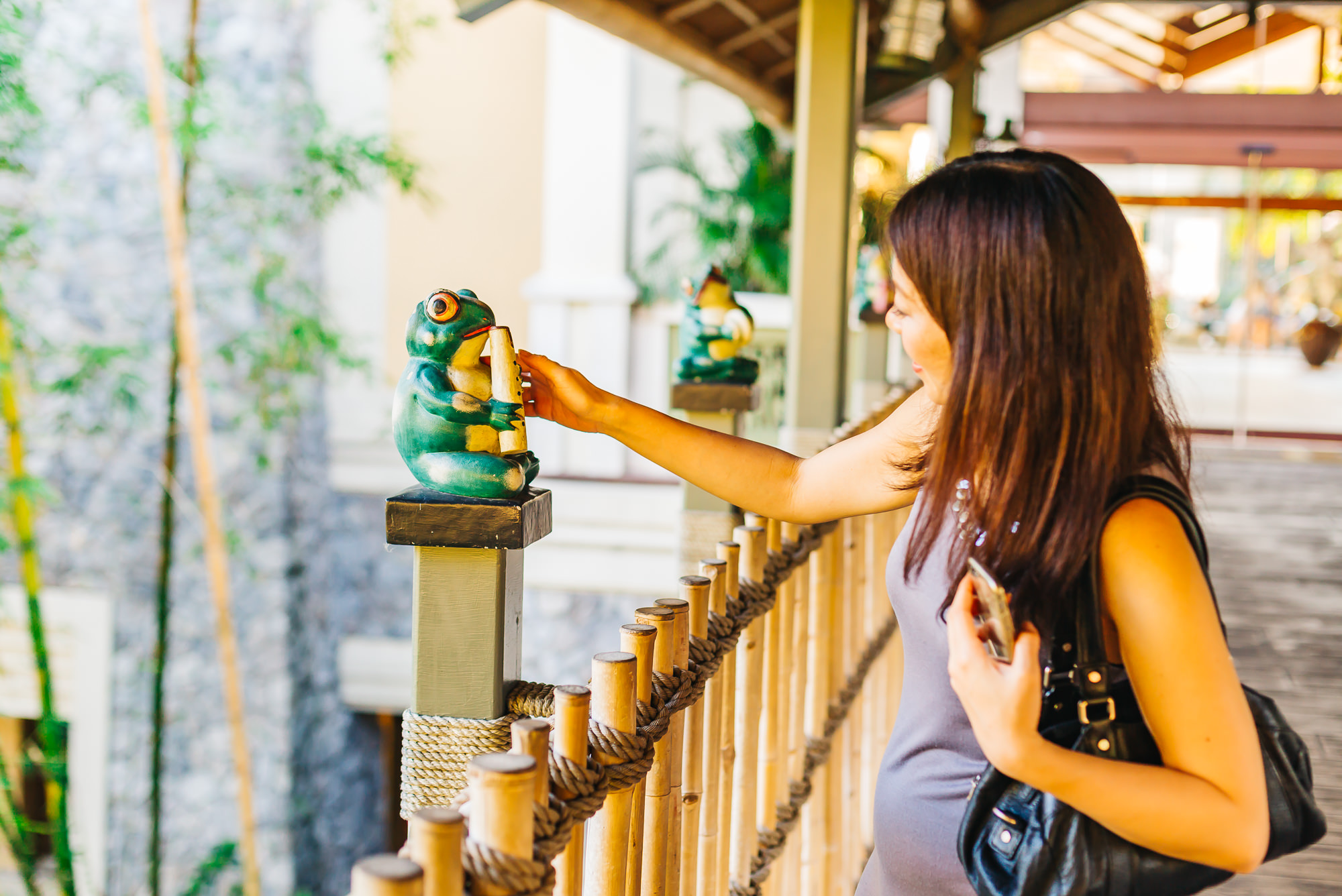 Mariko loved the frog decorations at the entrance of   Royal Pacific Resort