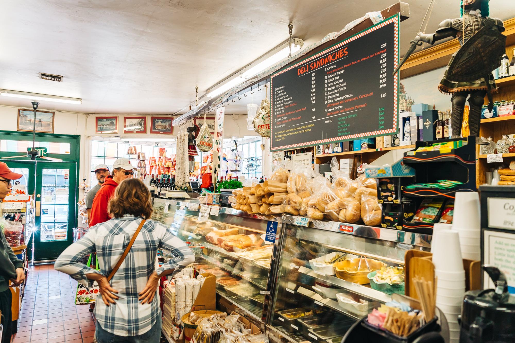 Mona Lisa Italian Foods Deli