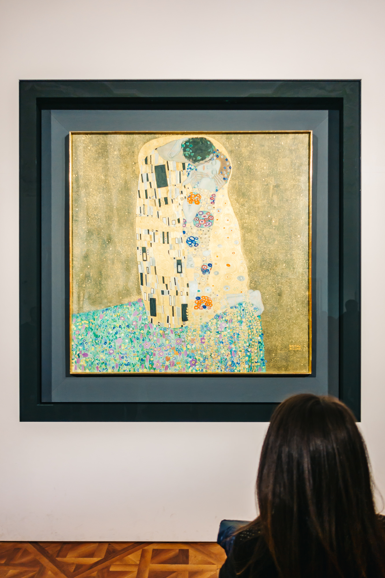 """Klimt's famous """"Kiss"""" Painting at the Belvedere Museum"""