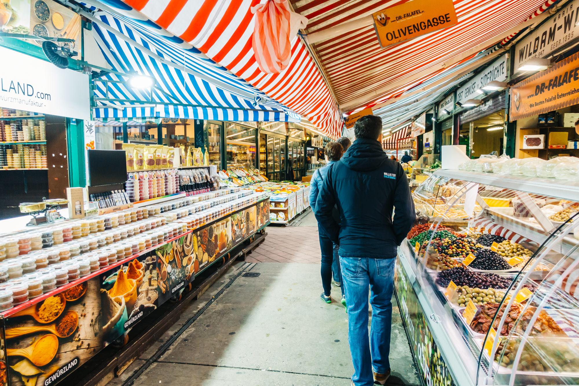 120 market stands and restaurants at Naschmarkt