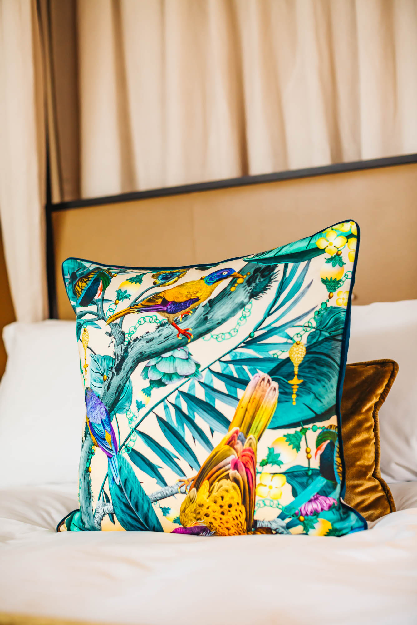 Gorgeous print on the throw pillows