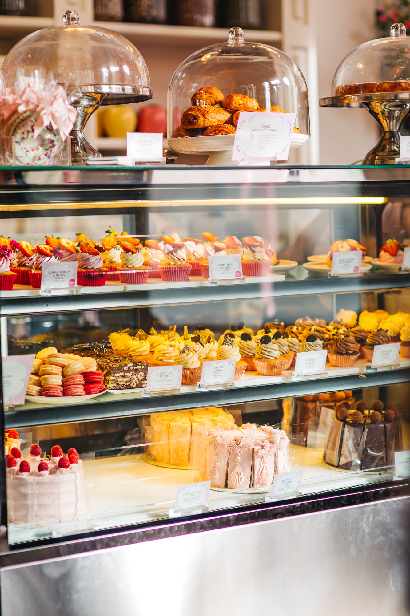 Peggy Porschen's famous cakes and cupcakes