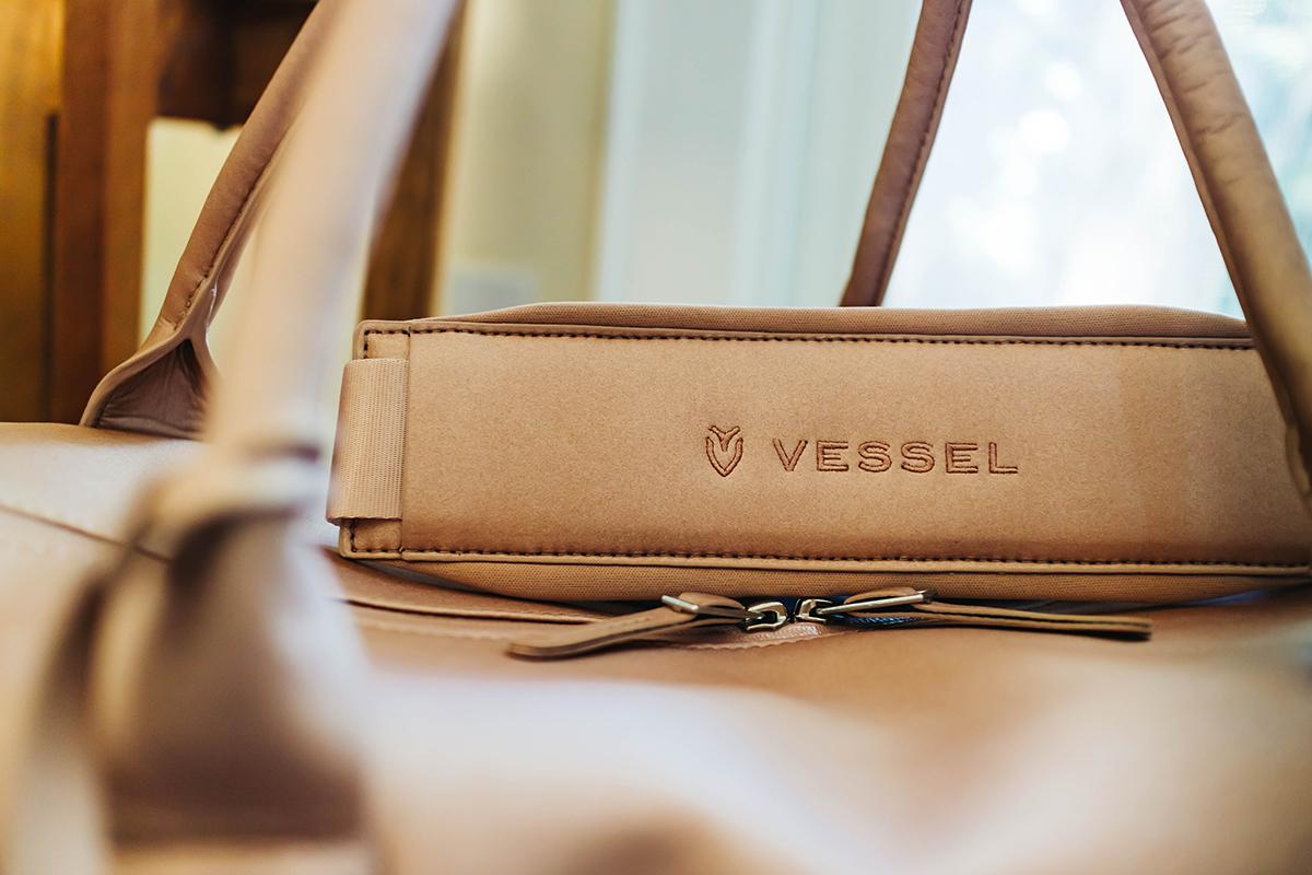vessel signature 2.0 boston bag