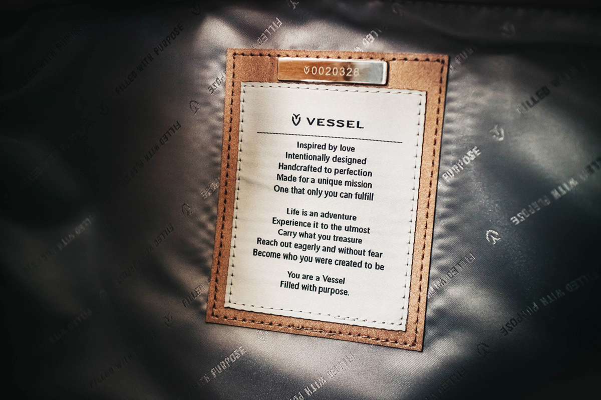 Vessel's message and a number indicating the number of bags they have donated so far.
