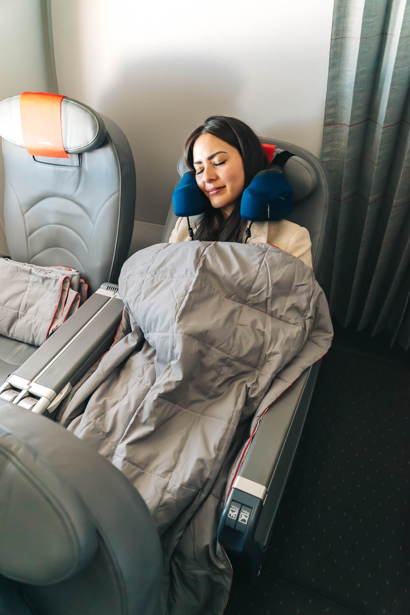 You will sleep comfortably with the Cabeau Travel Pillow