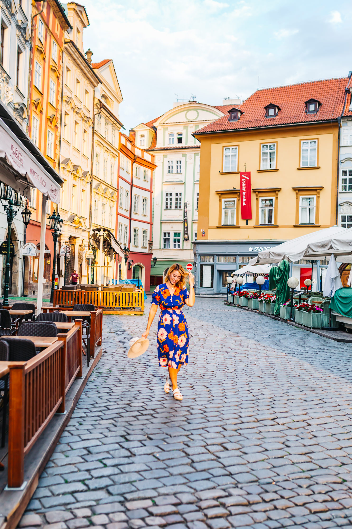 Old Town is only a 6-minute walk