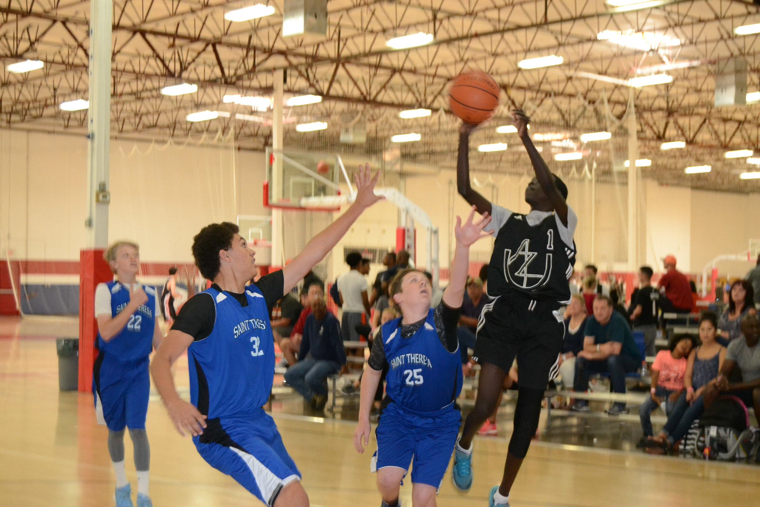 Ringo Aguek (13u) showcases his mid-range jumper at the Inspire courts. (9/16/2017)