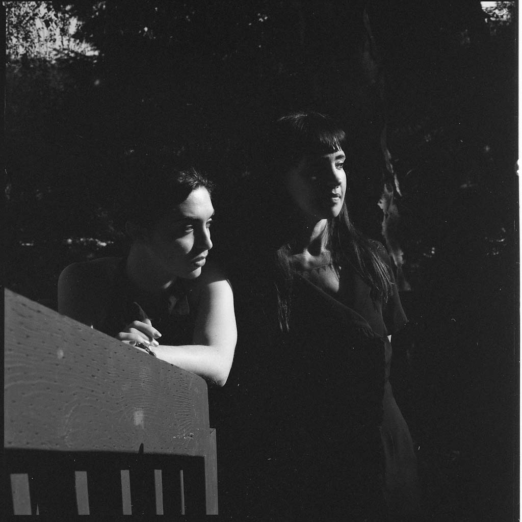 Ava&Sivia_FilmB&W012.JPG