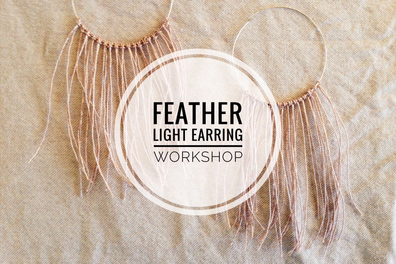 Learn to make shimmery beautiful earrings that are fun to wear and will brighten your day, or night {wink}.  Featherlight, voluminous, sparkly. These earrings make a big statement, yet are light as a breeze. Sign up  here .