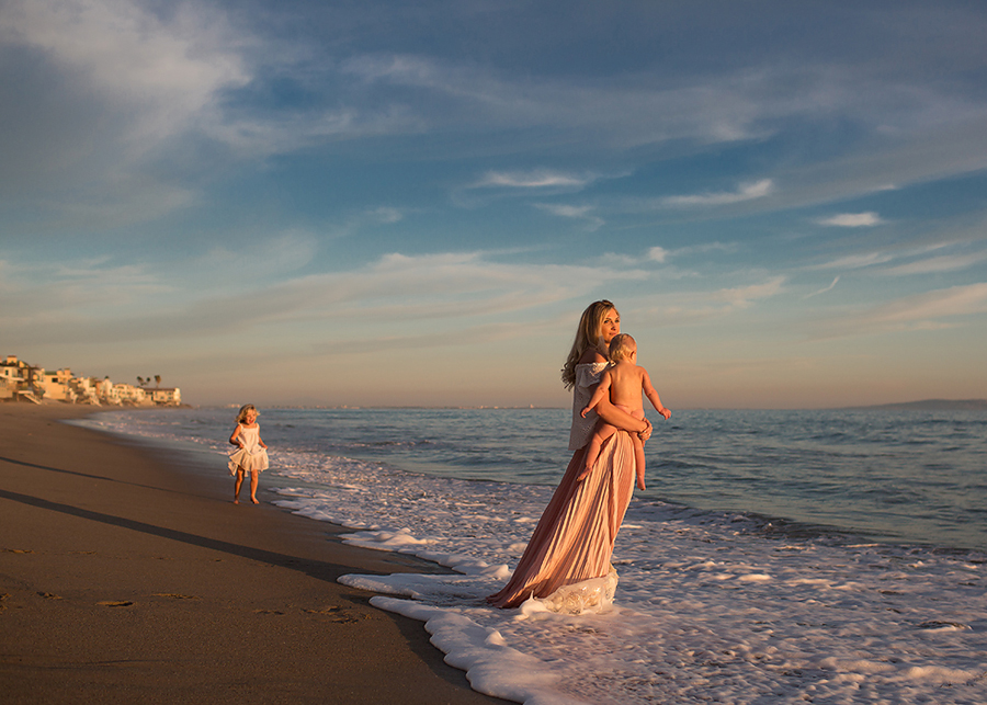 This beautiful flowing skirt created interesting movement at Meg's family photo session in Malibu, CA.