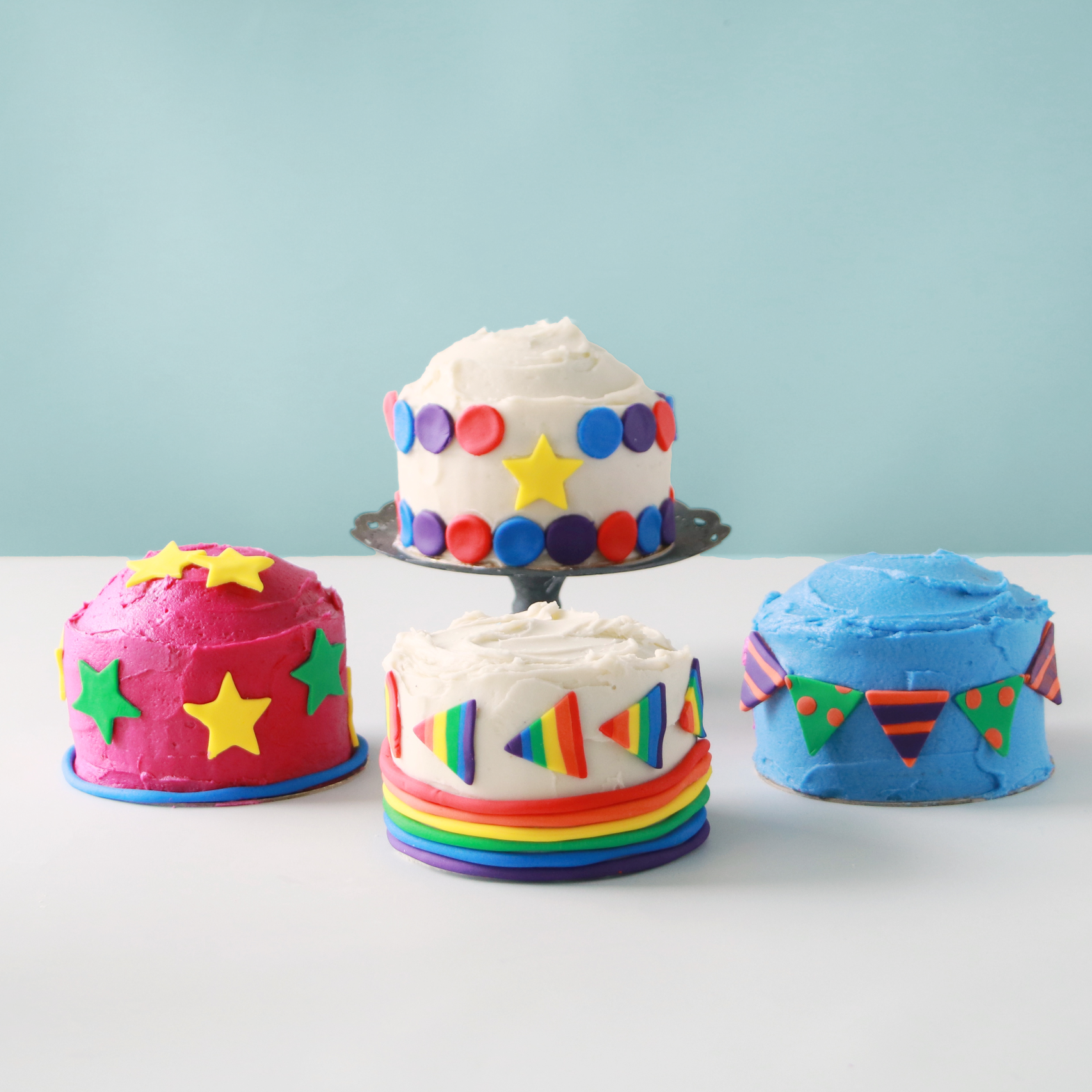 Our   mini cake kits   are a great activity to do with kids and make a fun alternative to family game night! We supply all of the non-perishable ingredients and tools (including disposable cake pans so that you can focus on the fun!